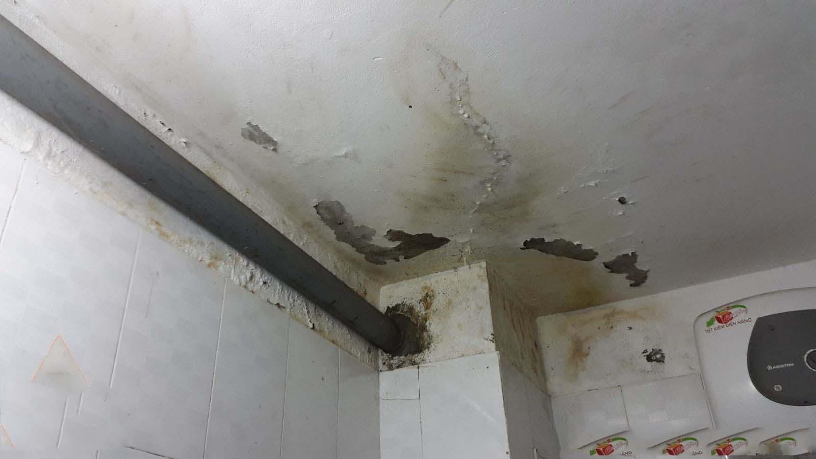 chống thấm hộp kỹ thuật nhà vệ sinh đúng cách
