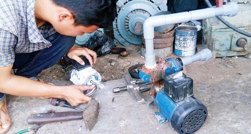 sửa máy bơm nước tphcm