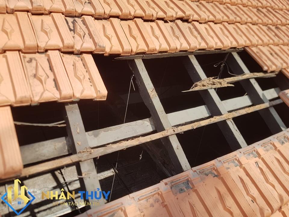 Thợ chống dột mái ngói tại TPHCM