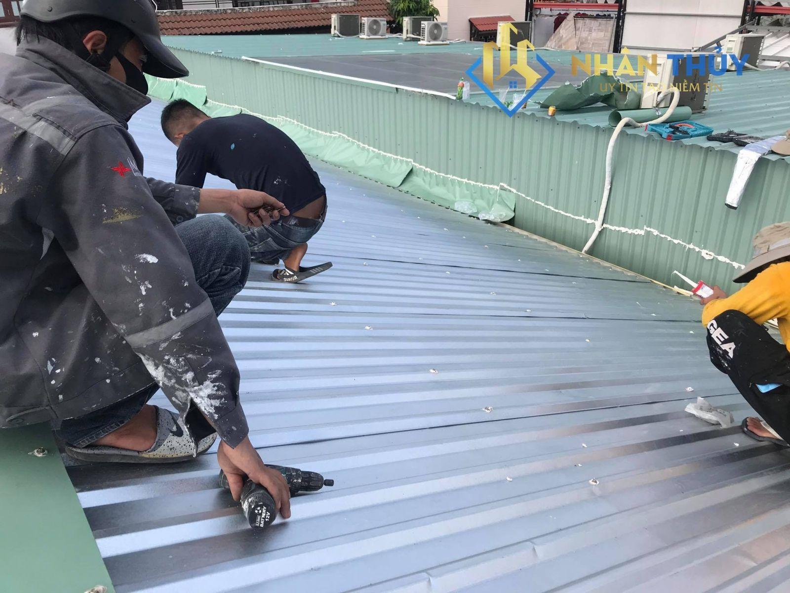 thợ làm mái tôn chuyên nghiệp tại quận 11