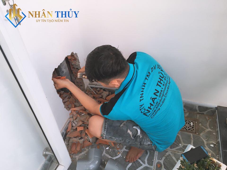 sửa chữa ốp lát gạch nhà vệ sinh