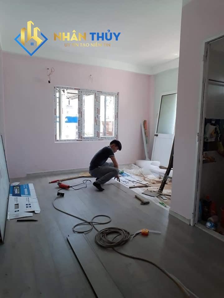 thợ thi công nhân công sơn nước